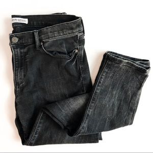 BANANA REPUBLIC • distressed skinny ankle jeans